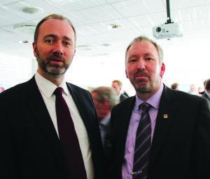 Næringsminister Trond Giske og styrelder i Norsk Trevare Ole Olsen. Foto: Siri Stang i BNL.
